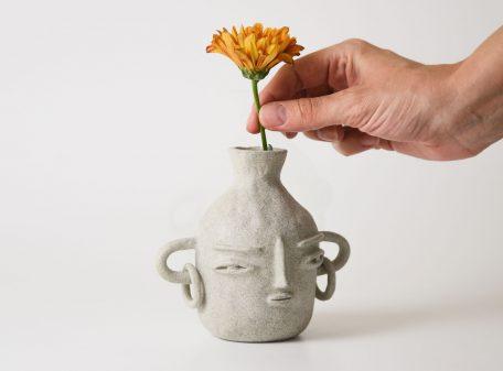 Bella_ceramic_vase_face_by_miri_orenstein_4