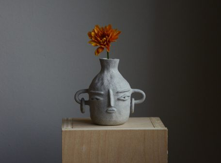 Bella_ceramic_vase_face_by_miri_orenstein_cover