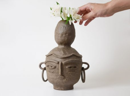 Emma_ceramic_vase_face_by_miri_orenstein_5
