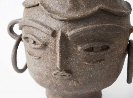 Emma_ceramic_vase_face_by_miri_orenstein_6a