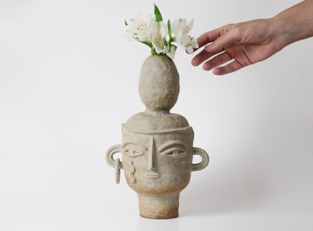Kayla_ceramic_vase_face_by_miri_orenstein_7