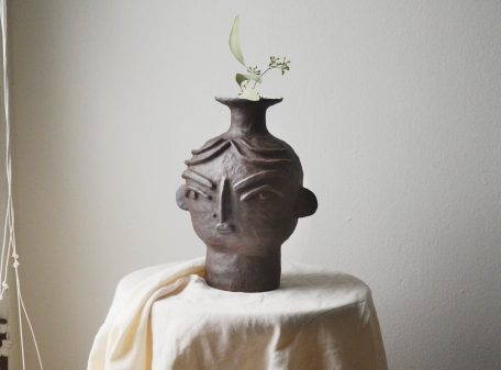 Kira_ceramic_vase_face_by_miri_orenstein_a