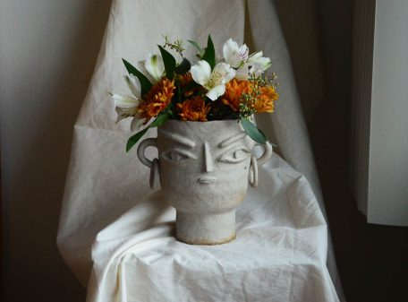 Stella_ceramic_vase_face_by_miri_orenstein