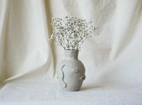EYES_MOUTHS_TEARS_VASE_c_cover