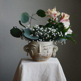 Lara ceramic with a face